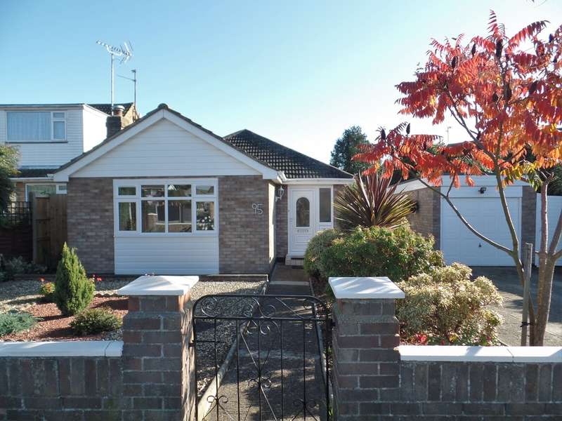 2 Bedrooms Detached Bungalow for sale in Chilburn Road, Great Clacton