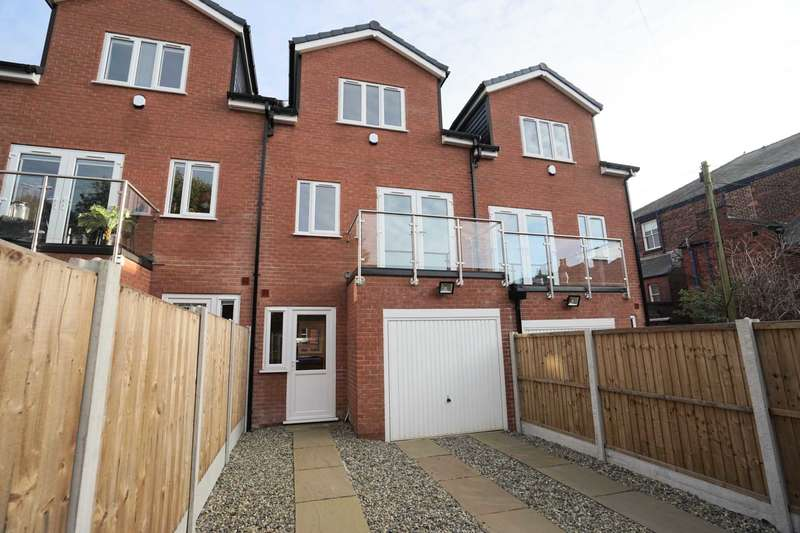 4 Bedrooms Town House for sale in Longworth Road, Horwich