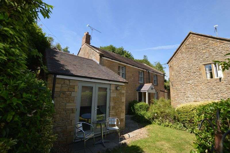 3 Bedrooms Cottage House for sale in Lower Odcombe, Yeovil