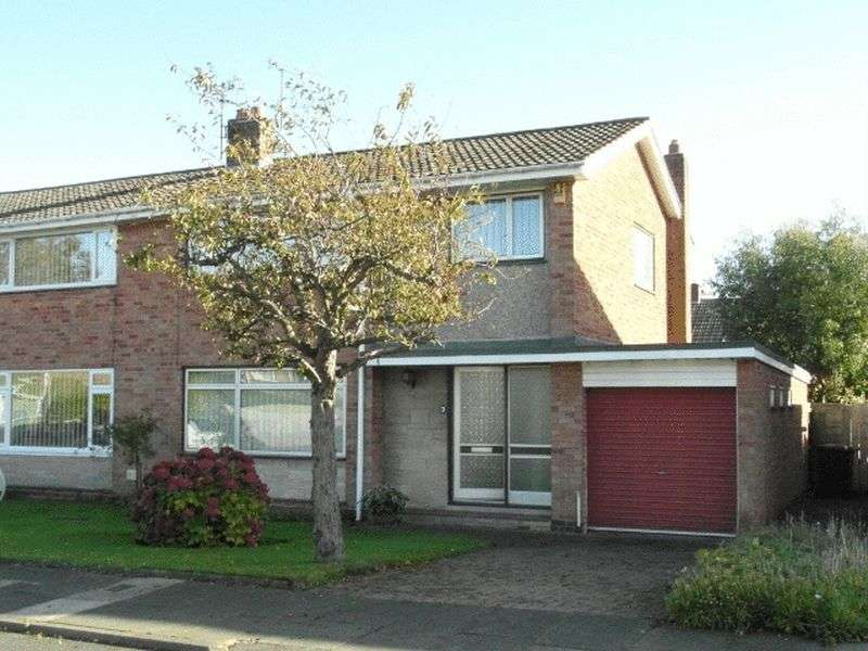 3 Bedrooms Semi Detached House for sale in Low Stobhill, Morpeth - Three Bedroom Semi Detached House