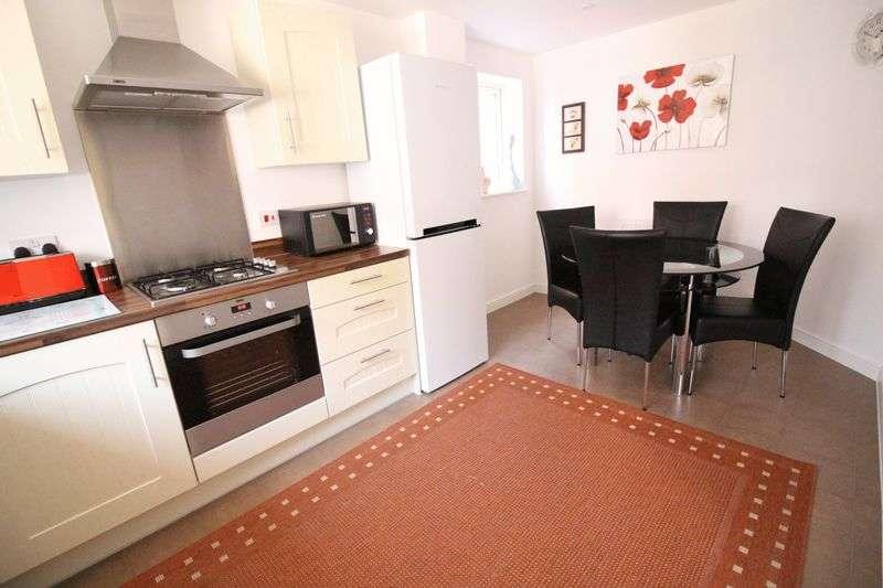 3 Bedrooms Semi Detached House for sale in Simmonds Gardens, Bognor Regis