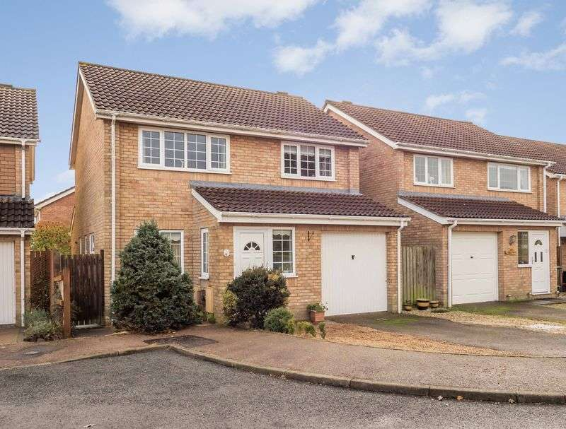 4 Bedrooms Detached House for sale in Haverscroft Close, Taverham, Norwich