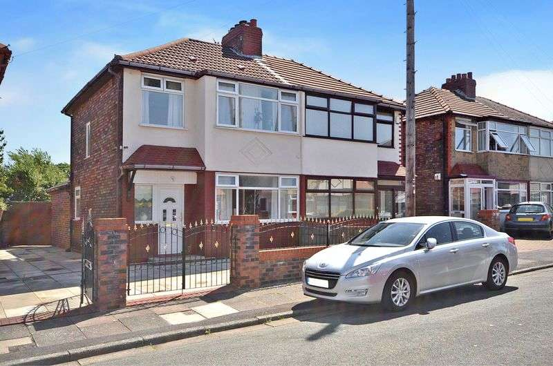 3 Bedrooms Semi Detached House for sale in Fairhaven Road, Widnes