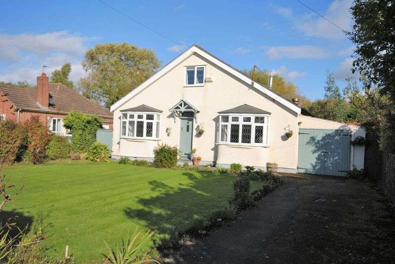 4 Bedrooms Detached Bungalow for sale in Burnley Road, Moreton