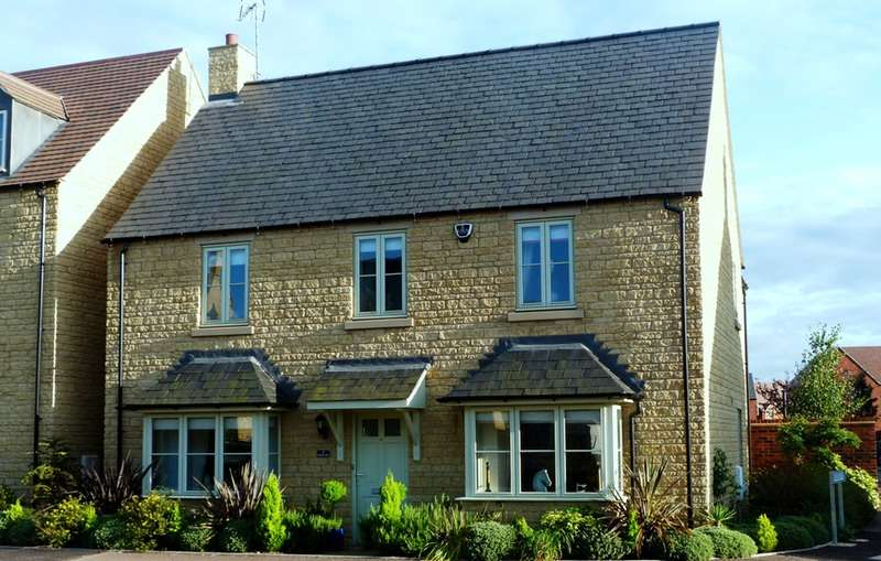 5 Bedrooms Detached House for sale in Stirling Way, Moreton in Marsh, Gloucestershire, GL56
