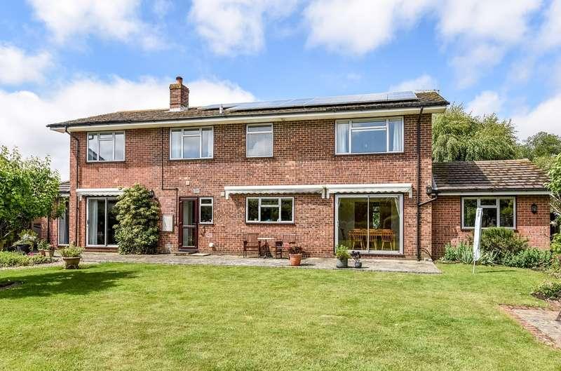 4 Bedrooms Detached House for sale in Goodwood Gardens, Runcton, PO20