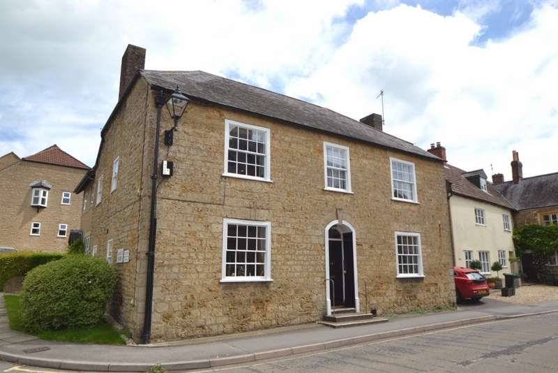 1 Bedroom Flat for sale in Beaminster