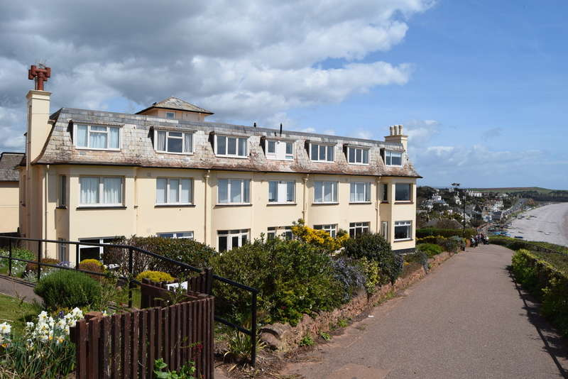 3 Bedrooms Flat for sale in Cliff Road, Budleigh Salterton