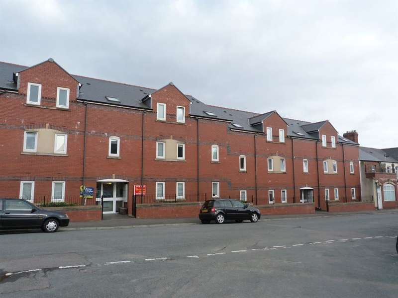 6 Bedrooms Flat for rent in Gwennyth House, Cathays, ( 6 Beds )