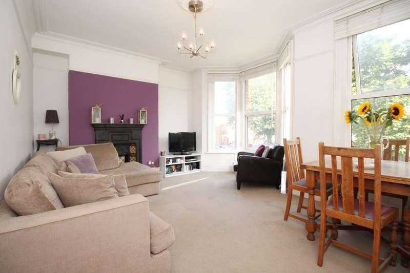 3 Bedrooms Flat for sale in Lower Mortlake Road, Richmond, TW9