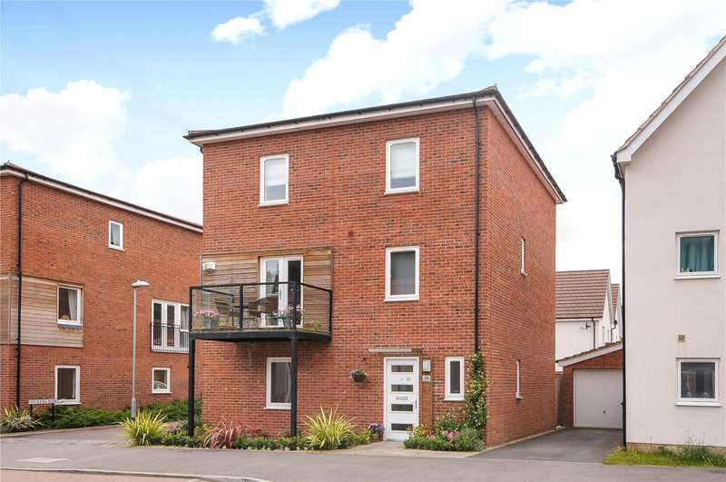 5 Bedrooms Detached House for sale in Lysander Drive, Bracknell, Berkshire, RG12