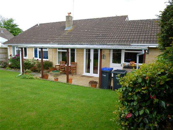 3 Bedrooms Bungalow for sale in Zeals Rise, Zeals, Warminster
