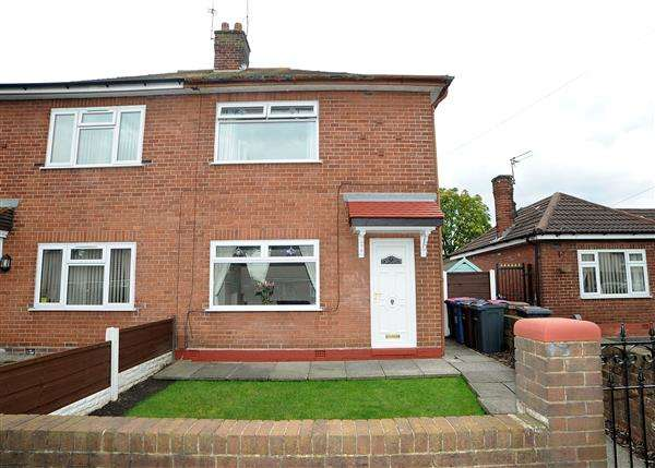 2 Bedrooms Semi Detached House for sale in 13 Cutnook Lane, Irlam M44 6JS