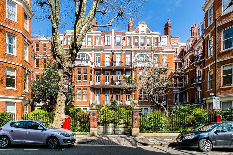 3 Bedrooms Ground Flat for sale in Fitzjames Avenue, London, W14