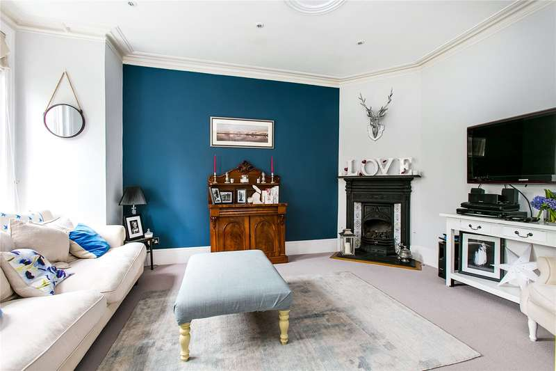 4 Bedrooms House for sale in First Avenue, London, SW14