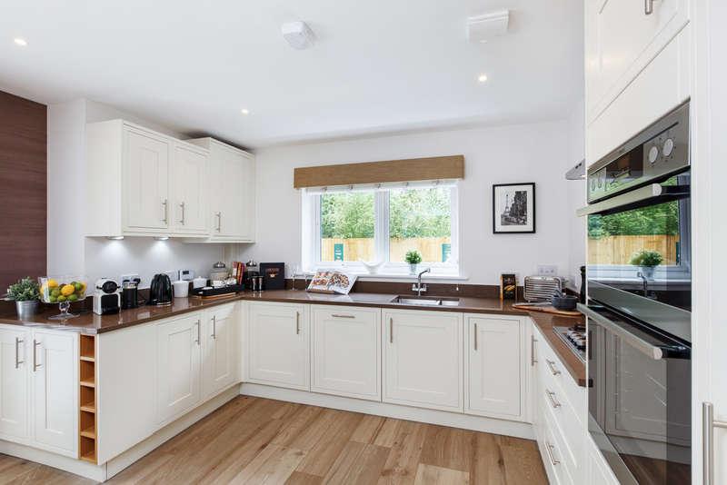 4 Bedrooms Detached House for sale in Plot 9, Four Oaks, RH8