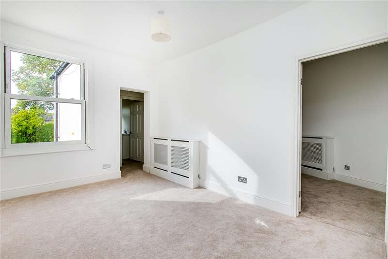 2 Bedrooms Maisonette Flat for sale in Kenlor Road, London, SW17