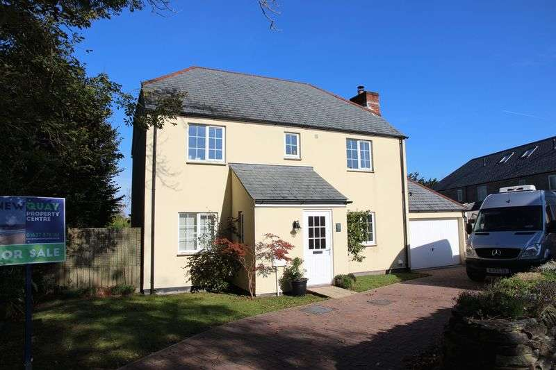 5 Bedrooms Detached House for sale in St Francis Meadow, Mitchell