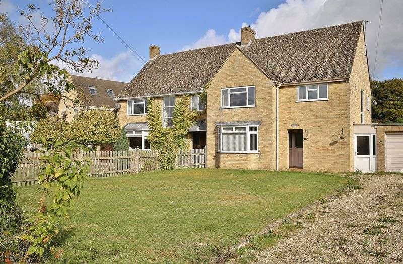 3 Bedrooms Semi Detached House for sale in Windrush, The Green, Standlake OX29 7SD