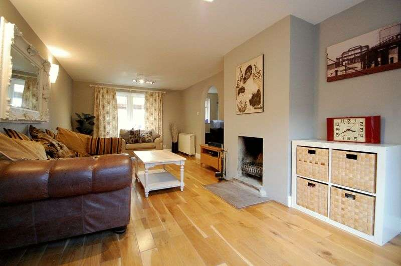 4 Bedrooms House for sale in Parsonage Estate, ROGATE, Petersfield, West Sussex