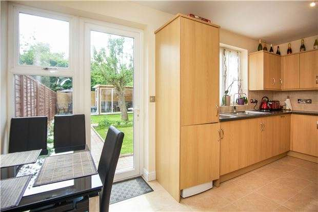 3 Bedrooms Semi Detached House for sale in Booth Road, COLINDALE, NW9 5JU