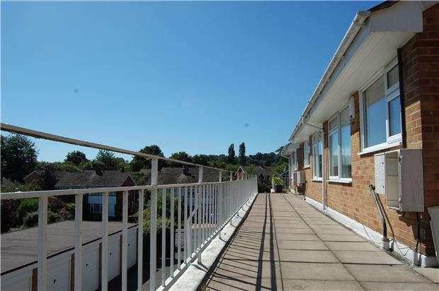 2 Bedrooms Flat for sale in Telston Lane, Otford, SEVENOAKS, Kent, TN14 5NH