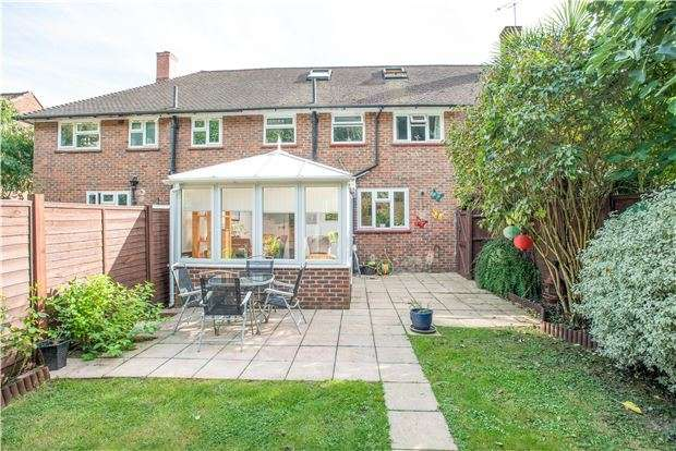 4 Bedrooms Terraced House for sale in Beddington Road, ORPINGTON, Kent, BR5 2TF
