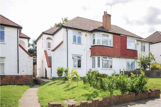 2 Bedrooms Maisonette Flat for sale in Cray Valley Road, Orpington, Kent, BR5 2EY