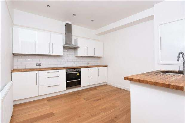5 Bedrooms Semi Detached House for sale in Broxholm Road, LONDON, SE27 0NA