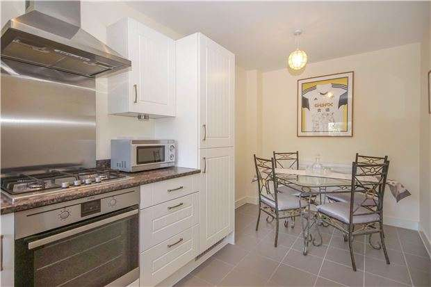 2 Bedrooms Terraced House for sale in Stone Hill View, Hanham Green, BS15 3SZ