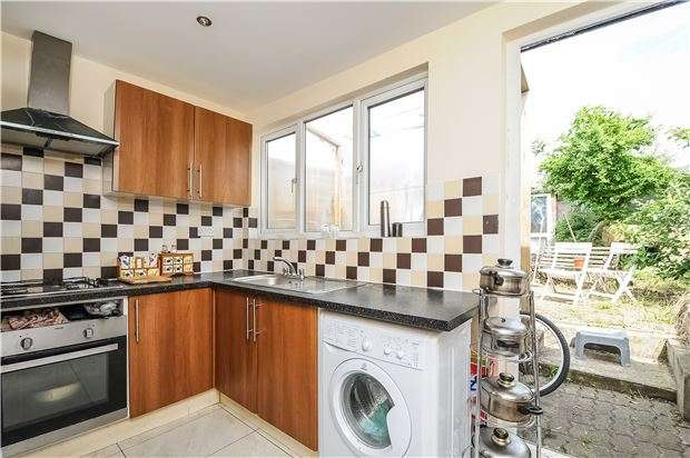 2 Bedrooms Terraced House for sale in Parchmore Road, CR7