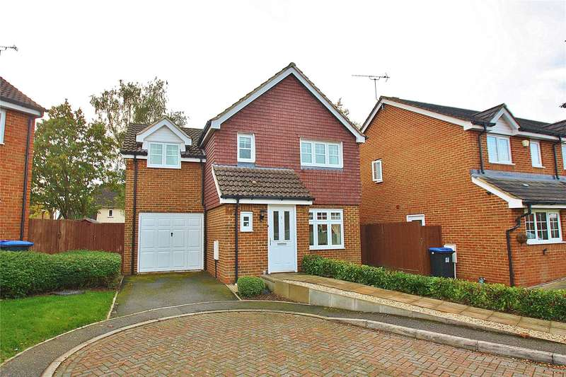 3 Bedrooms Detached House for sale in Orchard Mews, Knaphill, Woking, Surrey, GU21