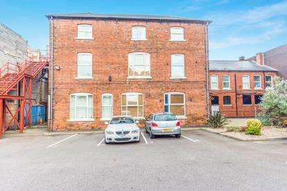 1 Bedroom Flat for sale in Bridge Street, Walsall, West Midlands