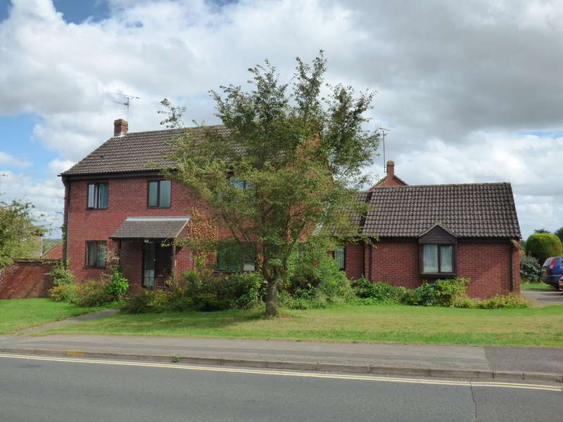 4 Bedrooms Detached House for sale in Hightown Road, Banbury