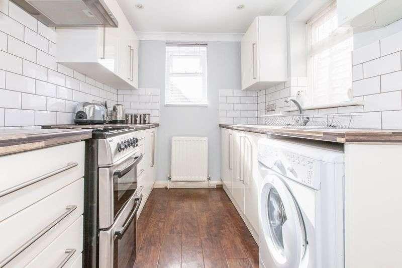 2 Bedrooms Terraced House for sale in Barham Road, Dartford