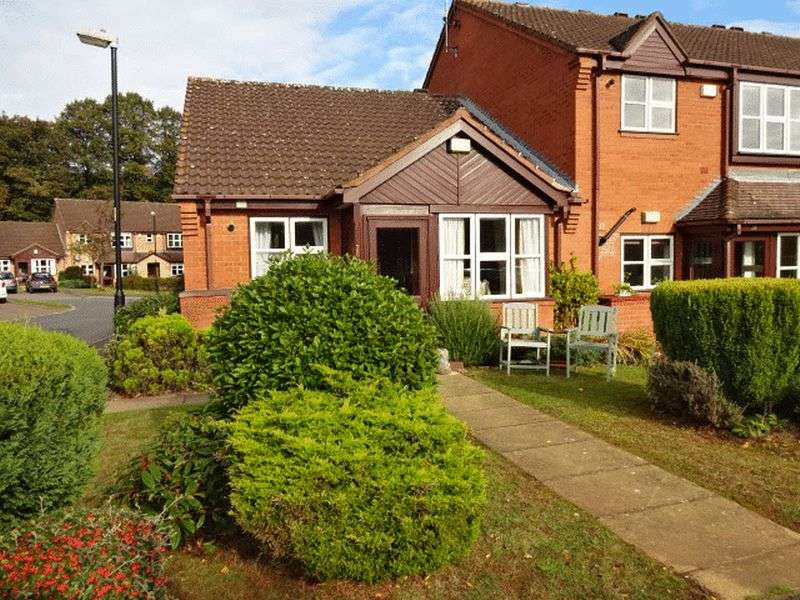 2 Bedrooms Bungalow for sale in Skylark Way, Kidderminster DY10 4EN