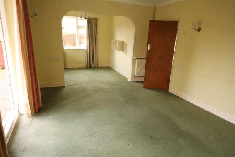 2 Bedrooms Semi Detached Bungalow for sale in Partridge Mead, Banstead, Surrey