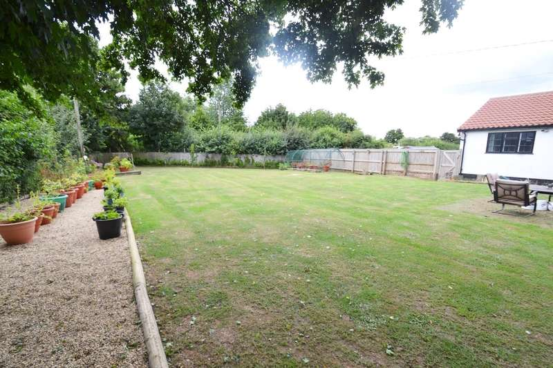 3 Bedrooms Semi Detached House for sale in Dickleburgh, Diss
