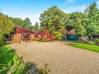4 Bedrooms Bungalow for sale in Hoveton, Norwich, Norfolk