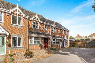 3 Bedrooms Terraced House for sale in Foxglove Rise, Maidstone, Kent, .