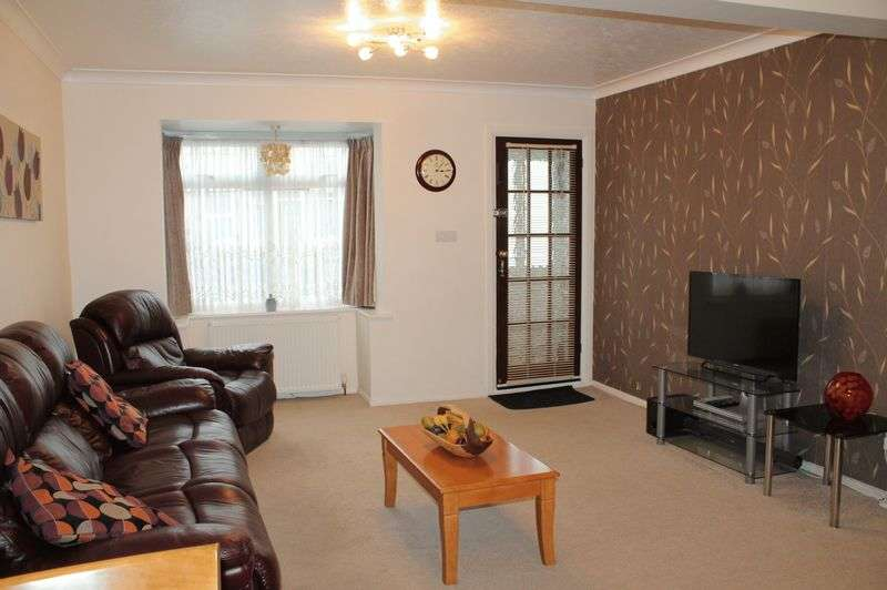 3 Bedrooms Terraced House for sale in Soham Road, Enfield