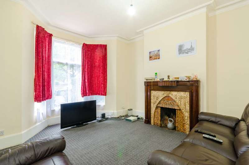 4 Bedrooms Terraced House for sale in Durham Road, Manor Park, E12