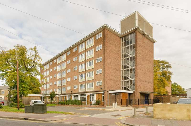 1 Bedroom Flat for sale in Durban Court, Upton Park, E7