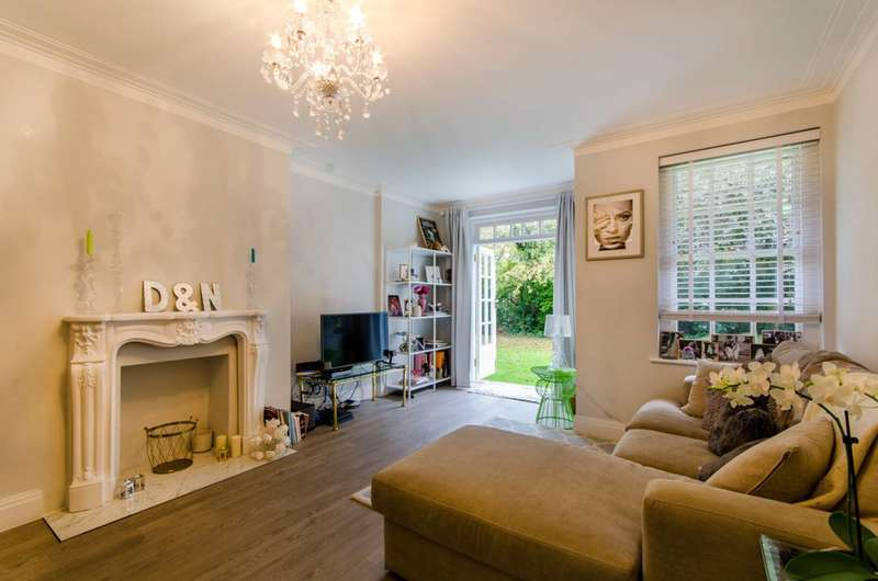 3 Bedrooms Flat for sale in Belmont Close, Barnet, EN4