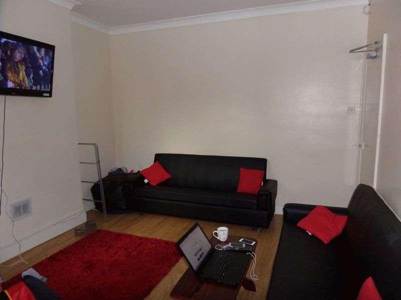 6 Bedrooms Property for rent in Harrington Drive, Nottingham