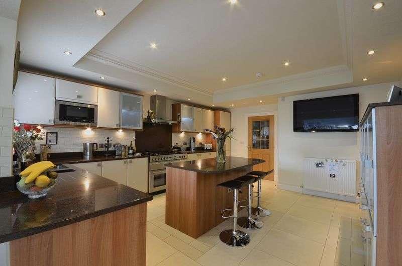 5 Bedrooms Detached House for sale in 221 Hardhorn Road, Poulton-Le-Fylde Lancs FY6 8DW