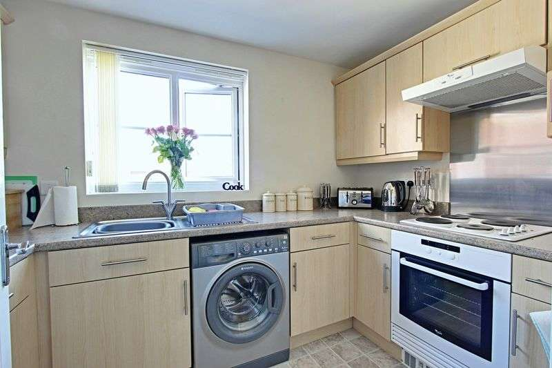2 Bedrooms Flat for sale in Marfleet Avenue, Hull