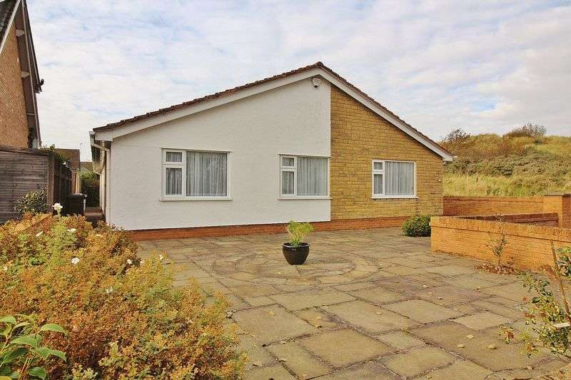3 Bedrooms Detached Bungalow for sale in 9 Harewood Avenue