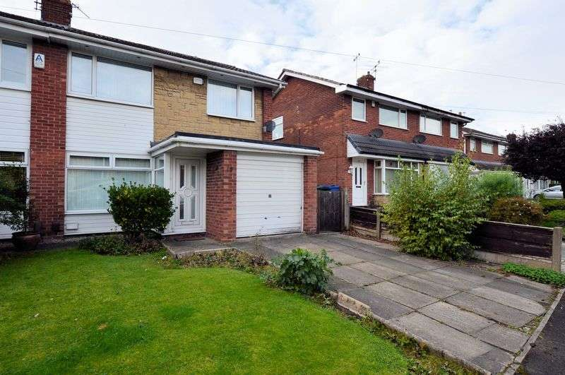 3 Bedrooms Semi Detached House for sale in Harrow Close, Bury