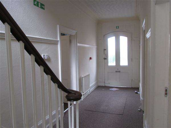 7 Bedrooms Terraced House for rent in Evington Street, Leicester